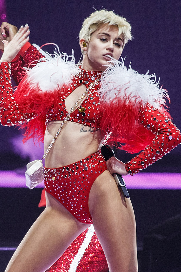 Everything you need to know about Miley Cyrus' Bangerz tour