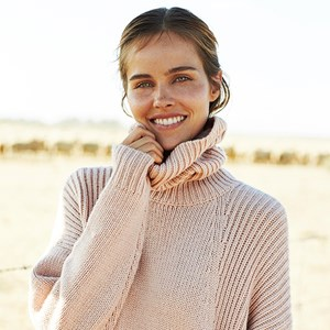 Australian actress Isabel Lucas